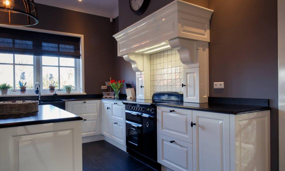 Authentieke keuken in landelijke stijl - Geluk Fijnhoutbewerking-64